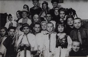 Polish children in Christian primary school wearing costumes, before WWII